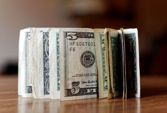 Міжбанк відкрився доларом по28,88-28,91 грн, євро— по35,37-35,40 грн