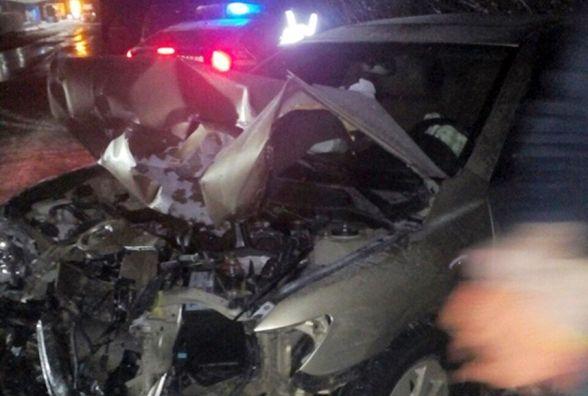 «BMW X5» виїхав на зустрічку: побилися три автівки, двоє потерпілих в реанімації