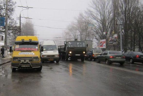 Хмельничанин Валерій просить встановити світлофор на небезпечному перехресті