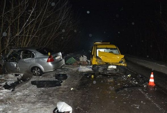Смертельна ДТП поблизу Красилова: одна людина загинула, четверо - травмовані