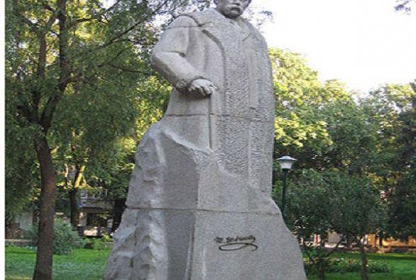 Найкращий пам'ятник Кобзарю: хмельничан запрошують взяти участь у всеукраїнському флешмобі