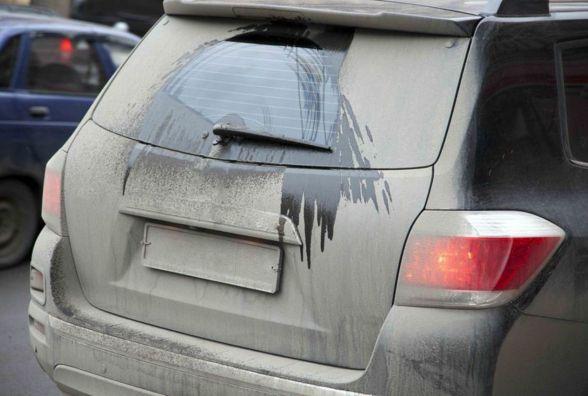 Чи штрафують хмельницьких водіїв за брудні номерні знаки? Відповідь поліції