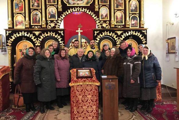 В новий храм з новою парафією: ще одна громада на Хмельниччині перейшла до Київського Патріархату