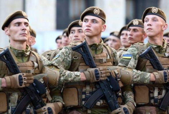 """Патріотичне замість радянського: уряд пропонує замінити вітання для військових на """"Слава Україні!"""""""