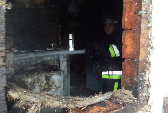 Смертельна пожежа: 28-річний мешканець Славутчини згорів у власному будинку