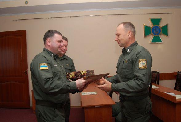 Хмельницькі прикордонники вшанували воїнів-інтернаціоналістів