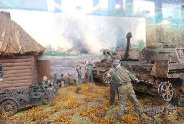 У Хмельницькому відкрили виставку військової мініатюри часів ІІ світової