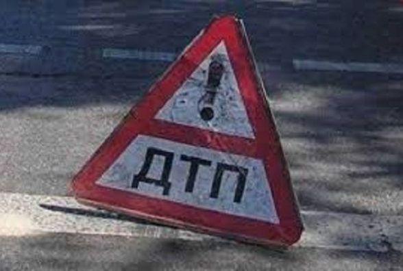 Виїхав на зустрічну: двоє людей постраждали в ДТП на Хмельниччині