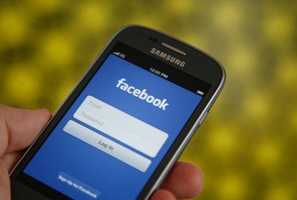 """Від тротуару без асфальту до """"нічного"""" алкоголю: що обговорювали хмельничани у Facebook"""