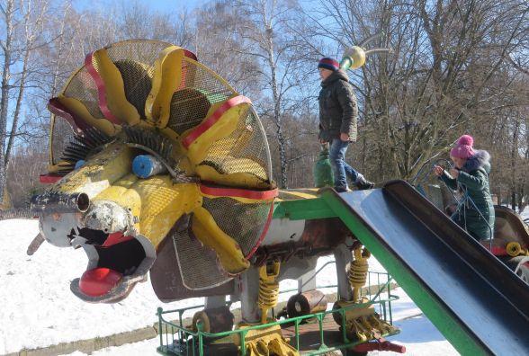 Порятунок скульптур Мазура. Ремонтувати за бюджетні кошти підрядники не беруться