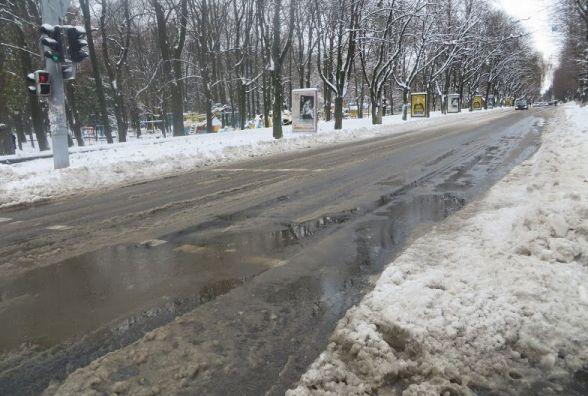 Сніжно й морозно: синоптики попереджають хмельничан про негоду