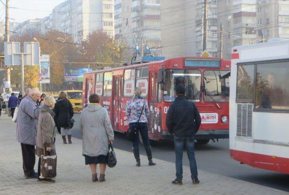 Повний салон пенсіонерів і рух поза графіком: хмельничанин про автобус №51 на Ракове