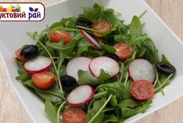 Страви до посту: Швидкий і корисний салат з руколи і помідор