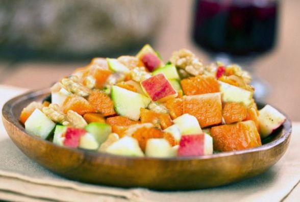 Швидкий та корисний сніданок:  яблучно-гарбузовий салат з горішками