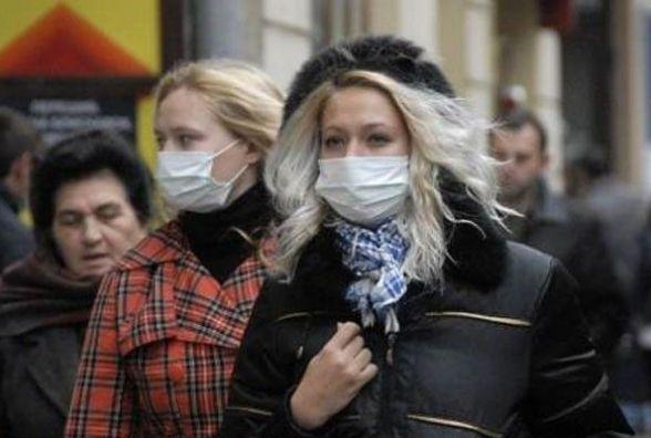 """У Хмельницькому """"гуляє"""" небезпечний грип типу А. Госпіталізували двох"""