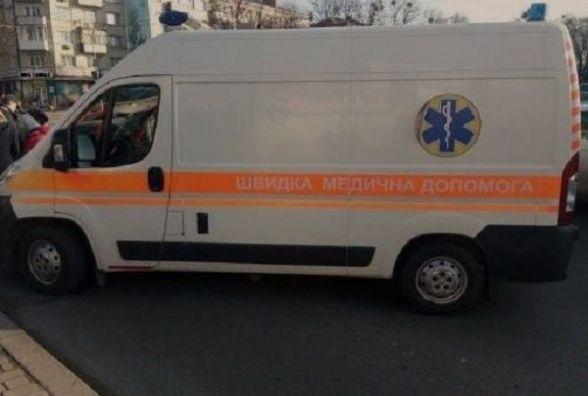 """На Кам'янецькій автівка збила жінку на """"зебрі"""". Потерпіла в лікарні"""