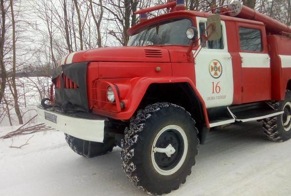 Небезпека на дорозі: на Хмельниччині за день два автомобілі злетіли з траси