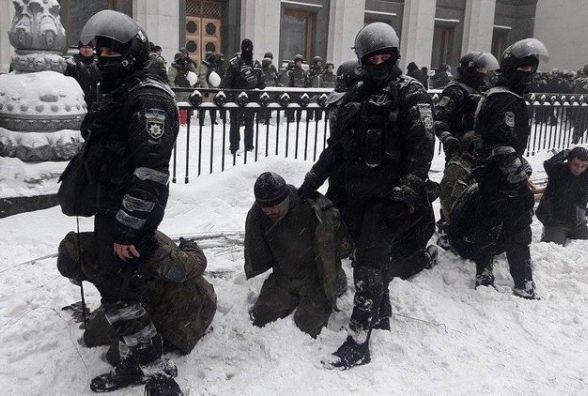 Хмельницькі «майданівці» вимагають звільнення Арсена Авакова