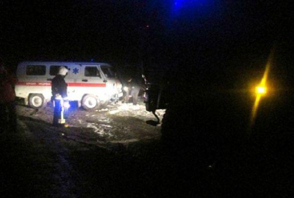 """Не """"швидка"""" допомога: на Хмельниччині через сніг лікарі не доїхали до хворого"""