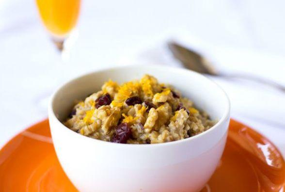 Пісний сніданок: готуємо вівсянку з апельсином і горіхами