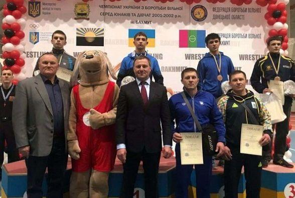 Кадети із Хмельниччини здобули нагороди на всеукраїнському чемпіонаті з боротьби