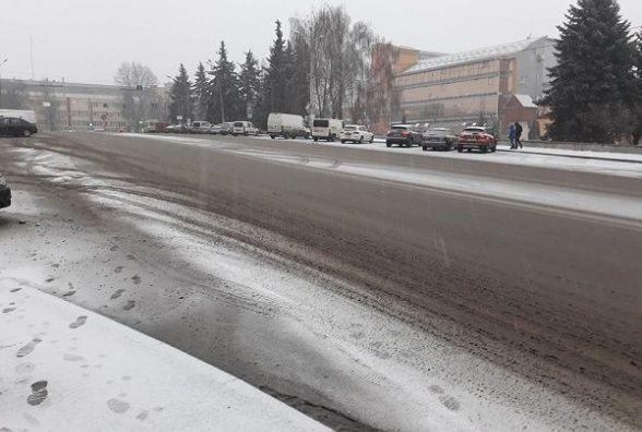 Морози та сильний вітер: синоптики попереджають хмельничан про похолодання