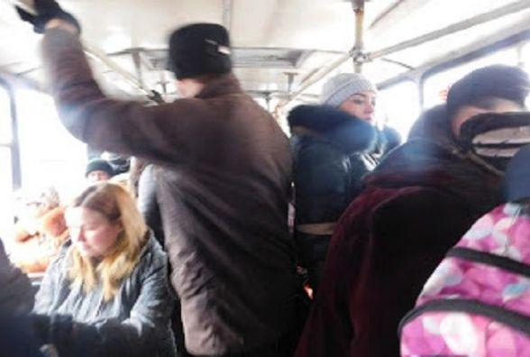 """""""Живі"""" гроші: в Україні запровадили монетизацію пільг на проїзд у громадському транспорті"""