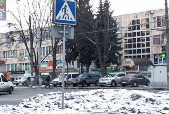 Не перебіг: на проспекті Миру під колеса автівки потрапив 59-річний чоловік