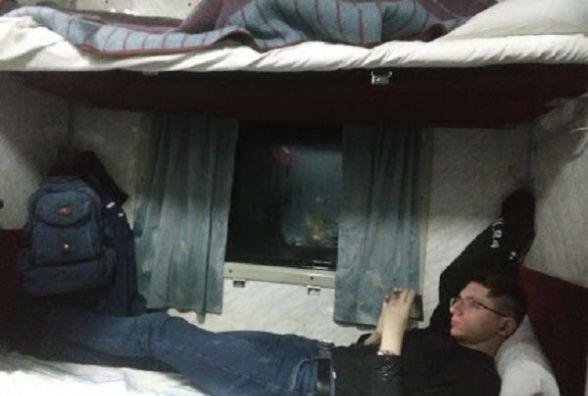 """Плюс один через Хмельницький: """"Укрзалізниця"""" призначила перші додаткові потяги на великодні свята"""