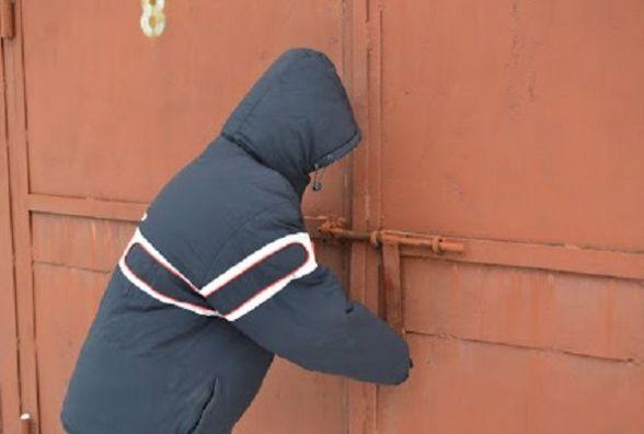 П'ять крадіжок за ніч: злодії взялися за гаражі та підвали хмельничан