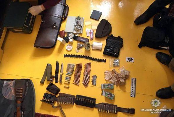 Трьох кам'янчан, які незаконно продавали зброю, взяли під варту