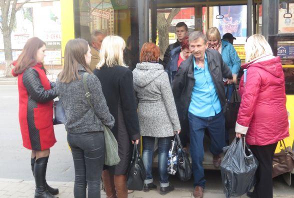 Монетизація пільг на проїзд у Хмельницькому. Що кажуть міська рада і перевізники