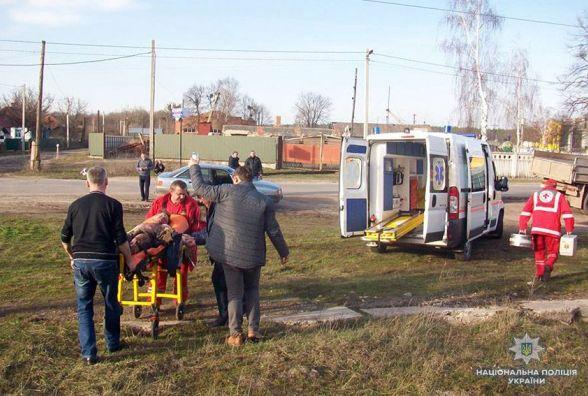 Небезпечна розвага: у Славуті школяра вдарило струмом на даху потяга