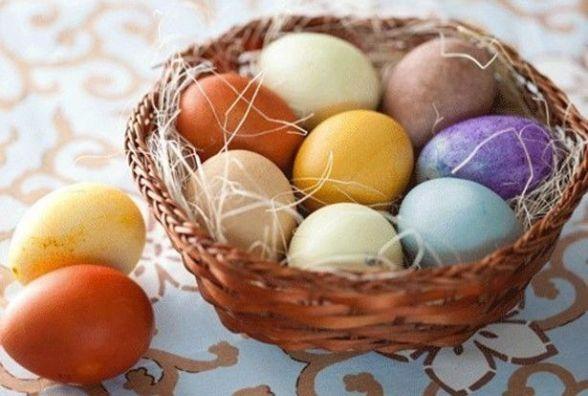 ТОП-5 способів, як розфарбувати пасхальні яйця без барвників