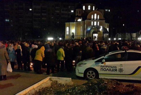 Великодня ніч у зведеннях поліції: смерть під час освячення і жодного п'яного водія