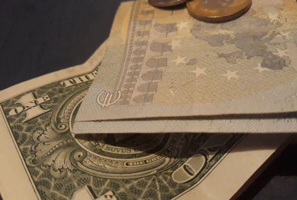 Курс валют НБУ на 9 квітня. Скільки коштують долари та євро після Великодня