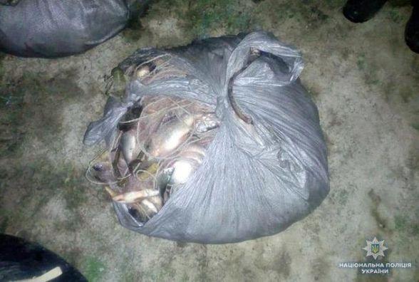 На Дністрі зловили браконьєра з сіткою риби