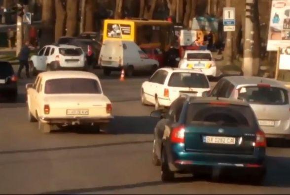 """Дві аварії у """"годину пік"""" сталися на Старокостянтинівському шосе"""