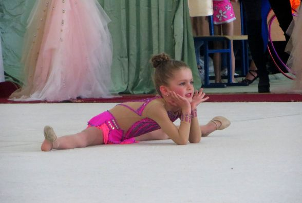 На фестиваль художньої гімнастики до Хмельницького приїхали сотні дівчат (ФОТО)