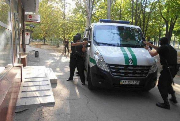В поліції пояснили, чому в Хмельницькому стріляли і гриміли
