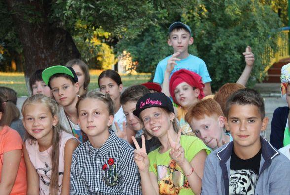 Літні табори на Хмельниччині: куди і за скільки відправити дитину на канікулах