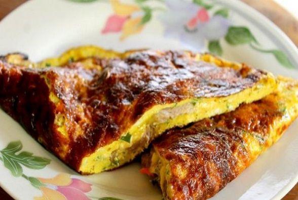 Смачний сніданок: готуємо омлетний чебурек