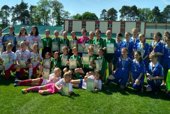 Хмельничанки здобули бронзу на чемпіонаті області з футболу