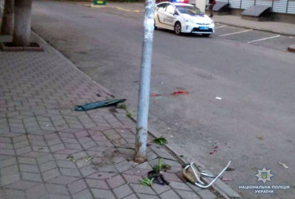 Водій, який збив жінку та спалив своє авто, був п'яний. Деталі ДТП на Подільській