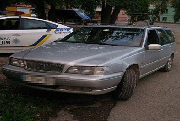 Хмельницькі патрульні спіймали водія з підробленими документами