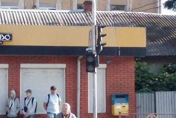 На Виставці не працюють світлофори. Кажуть, немає напруги