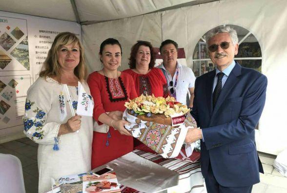 Хмельницьку продукцію представили на фестивалі їжі в Китаї