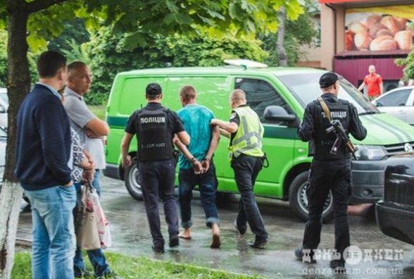 Психічнохворий чоловік побив поліцейського в Шепетівці
