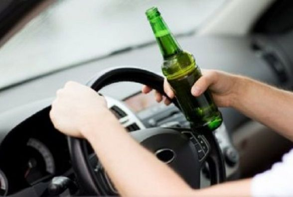 У Красилові заочно засудили водія, який пив пиво перед поліцейськими