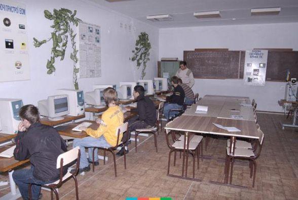 """""""Вечірню"""" школу в Хмельницькому приєднають до іншого навчального закладу"""